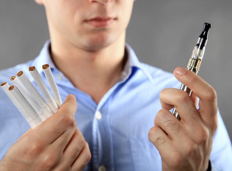 The Difference between E-cigarette and Traditional Cigarette